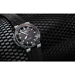 Новые часы Oris Aquis Red Limited Edition